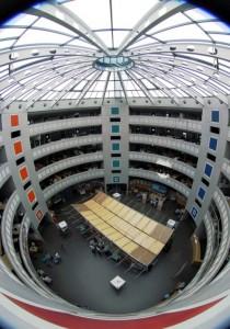 CERN - mjesto na kojem se nalaze najveći mozgovi naše generacije. I crne rupe.